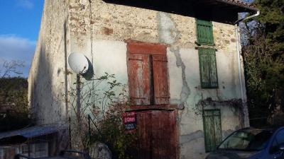 Maison St Paul de Jarrat &bull; <span class='offer-area-number'>250</span> m² environ &bull; <span class='offer-rooms-number'>1</span> pièce