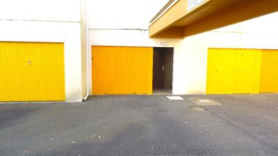 Parking St Hilaire de Riez &bull; <span class='offer-area-number'>13</span> m² environ &bull; <span class='offer-rooms-number'>1</span> pièce