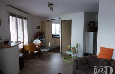 Appartement Valenton &bull; <span class='offer-area-number'>39</span> m² environ &bull; <span class='offer-rooms-number'>2</span> pièces