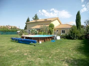 Villa Estrablin &bull; <span class='offer-area-number'>224</span> m² environ &bull; <span class='offer-rooms-number'>8</span> pièces