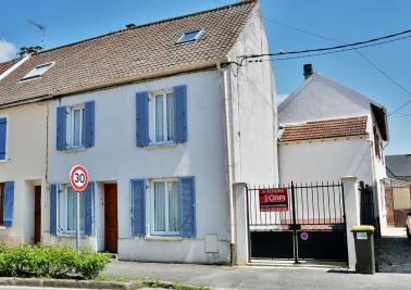 Maison Villeneuve le Comte &bull; <span class='offer-area-number'>100</span> m² environ &bull; <span class='offer-rooms-number'>4</span> pièces