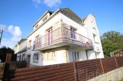 Maison Guilvinec &bull; <span class='offer-area-number'>142</span> m² environ &bull; <span class='offer-rooms-number'>7</span> pièces