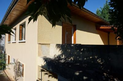 Maison L Arbresle &bull; <span class='offer-area-number'>180</span> m² environ &bull; <span class='offer-rooms-number'>8</span> pièces