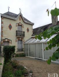 Maison Bourgueil &bull; <span class='offer-area-number'>130</span> m² environ &bull; <span class='offer-rooms-number'>5</span> pièces