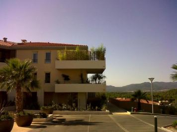 Appartement Roquebrune sur Argens &bull; <span class='offer-area-number'>40</span> m² environ &bull; <span class='offer-rooms-number'>2</span> pièces