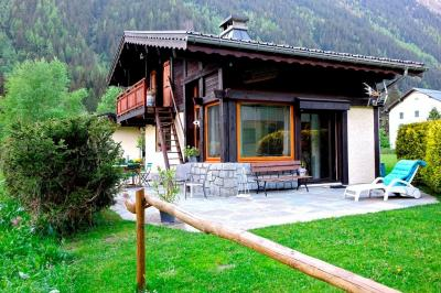 Maison Chamonix Mont Blanc &bull; <span class='offer-area-number'>80</span> m² environ &bull; <span class='offer-rooms-number'>4</span> pièces