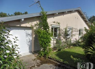 Maison Semeac &bull; <span class='offer-area-number'>96</span> m² environ &bull; <span class='offer-rooms-number'>5</span> pièces