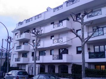 Appartement La Garenne Colombes &bull; <span class='offer-area-number'>23</span> m² environ &bull; <span class='offer-rooms-number'>1</span> pièce