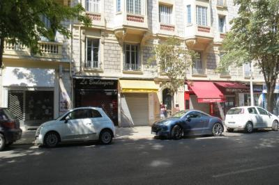 Appartement Nice &bull; <span class='offer-area-number'>83</span> m² environ &bull; <span class='offer-rooms-number'>4</span> pièces