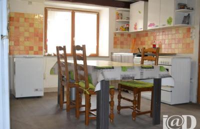 Maison Bazoilles et Menil &bull; <span class='offer-area-number'>139</span> m² environ &bull; <span class='offer-rooms-number'>5</span> pièces