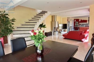 Maison Noiron sous Gevrey &bull; <span class='offer-area-number'>227</span> m² environ &bull; <span class='offer-rooms-number'>9</span> pièces