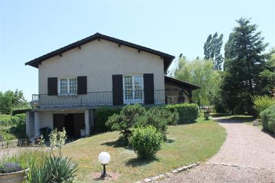 Maison St Cyr de Favieres &bull; <span class='offer-area-number'>145</span> m² environ &bull; <span class='offer-rooms-number'>7</span> pièces