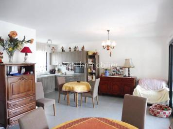 Appartement Vaison la Romaine &bull; <span class='offer-area-number'>72</span> m² environ &bull; <span class='offer-rooms-number'>3</span> pièces