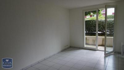 Appartement Salies de Bearn &bull; <span class='offer-area-number'>63</span> m² environ &bull; <span class='offer-rooms-number'>3</span> pièces