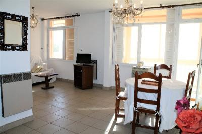 Appartement Ajaccio &bull; <span class='offer-area-number'>61</span> m² environ &bull; <span class='offer-rooms-number'>2</span> pièces