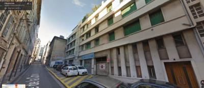 Parking Marseille 07 &bull; <span class='offer-area-number'>12</span> m² environ