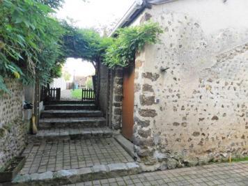 Maison Courville sur Eure &bull; <span class='offer-area-number'>101</span> m² environ &bull; <span class='offer-rooms-number'>5</span> pièces