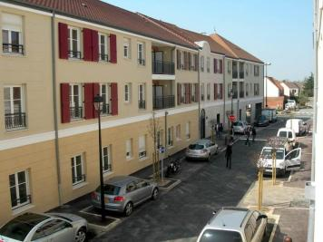 Appartement Voisins le Bretonneux &bull; <span class='offer-area-number'>65</span> m² environ &bull; <span class='offer-rooms-number'>3</span> pièces