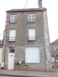 Immeuble La Souterraine &bull; <span class='offer-area-number'>135</span> m² environ