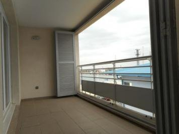 Appartement Port St Louis du Rhone &bull; <span class='offer-area-number'>64</span> m² environ &bull; <span class='offer-rooms-number'>3</span> pièces