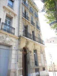 Appartement Marseille 05 &bull; <span class='offer-area-number'>80</span> m² environ &bull; <span class='offer-rooms-number'>3</span> pièces