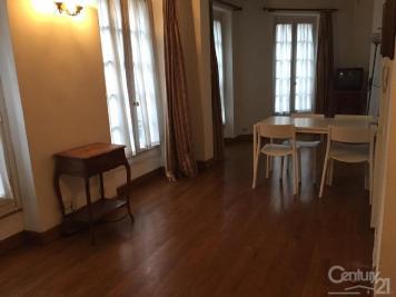 Appartement Paris 01 &bull; <span class='offer-area-number'>40</span> m² environ &bull; <span class='offer-rooms-number'>2</span> pièces