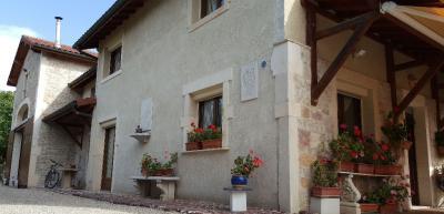 Maison Courmangoux &bull; <span class='offer-area-number'>253</span> m² environ &bull; <span class='offer-rooms-number'>7</span> pièces