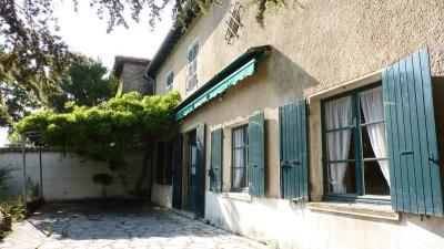 Maison Orlienas &bull; <span class='offer-area-number'>170</span> m² environ &bull; <span class='offer-rooms-number'>6</span> pièces
