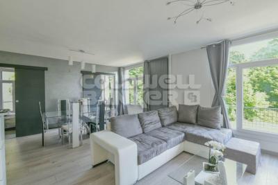 Appartement Le Vesinet &bull; <span class='offer-area-number'>69</span> m² environ &bull; <span class='offer-rooms-number'>4</span> pièces
