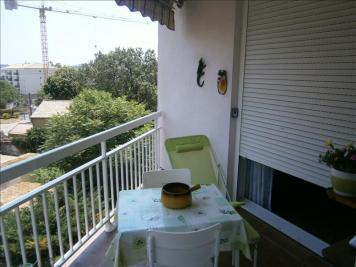 Appartement Toulon &bull; <span class='offer-area-number'>67</span> m² environ &bull; <span class='offer-rooms-number'>3</span> pièces