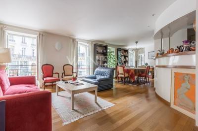 Appartement Paris 09 &bull; <span class='offer-area-number'>88</span> m² environ &bull; <span class='offer-rooms-number'>3</span> pièces