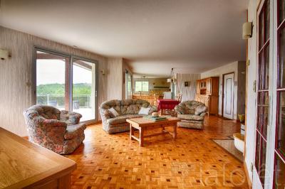 Maison Ste Radegonde &bull; <span class='offer-area-number'>191</span> m² environ &bull; <span class='offer-rooms-number'>4</span> pièces