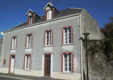 Maison Pouzauges &bull; <span class='offer-area-number'>120</span> m² environ &bull; <span class='offer-rooms-number'>5</span> pièces