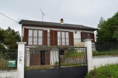 Maison Nesle la Reposte &bull; <span class='offer-area-number'>75</span> m² environ &bull; <span class='offer-rooms-number'>5</span> pièces