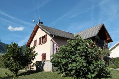 Maison St Pierre D Albigny &bull; <span class='offer-area-number'>156</span> m² environ &bull; <span class='offer-rooms-number'>7</span> pièces