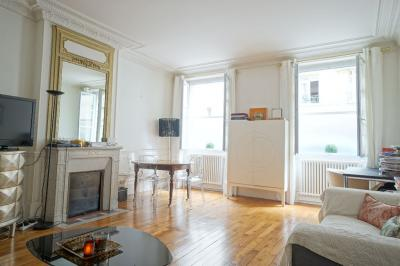 Appartement Paris 16 &bull; <span class='offer-area-number'>43</span> m² environ &bull; <span class='offer-rooms-number'>1</span> pièce