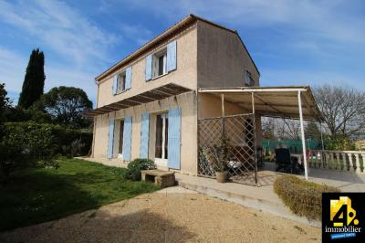 Maison Le Muy &bull; <span class='offer-area-number'>98</span> m² environ &bull; <span class='offer-rooms-number'>5</span> pièces