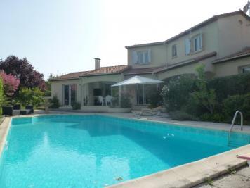 Maison Pompignac &bull; <span class='offer-area-number'>183</span> m² environ &bull; <span class='offer-rooms-number'>6</span> pièces