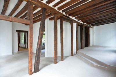 Appartement Paris 04 &bull; <span class='offer-area-number'>95</span> m² environ &bull; <span class='offer-rooms-number'>3</span> pièces