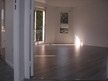 Appartement Chatenay Malabry &bull; <span class='offer-area-number'>77</span> m² environ &bull; <span class='offer-rooms-number'>4</span> pièces