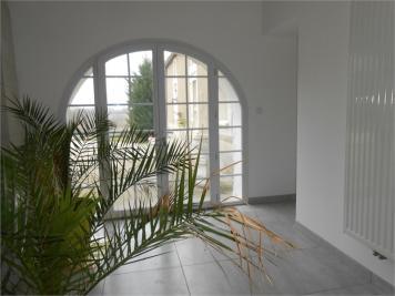 Maison La Couronne &bull; <span class='offer-area-number'>200</span> m² environ &bull; <span class='offer-rooms-number'>6</span> pièces