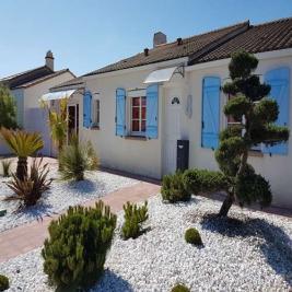 Maison L Aiguillon sur Vie &bull; <span class='offer-area-number'>143</span> m² environ &bull; <span class='offer-rooms-number'>4</span> pièces