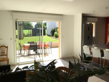 Maison Bazouges sur le Loir &bull; <span class='offer-area-number'>172</span> m² environ &bull; <span class='offer-rooms-number'>6</span> pièces