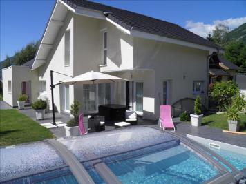 Maison Challes les Eaux &bull; <span class='offer-area-number'>170</span> m² environ &bull; <span class='offer-rooms-number'>7</span> pièces