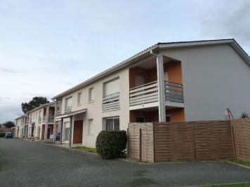 Appartement St Denis de Pile &bull; <span class='offer-area-number'>60</span> m² environ &bull; <span class='offer-rooms-number'>3</span> pièces