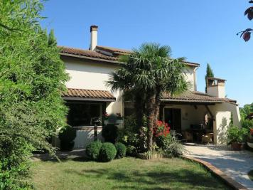 Maison St Symphorien d Ozon &bull; <span class='offer-area-number'>220</span> m² environ &bull; <span class='offer-rooms-number'>6</span> pièces