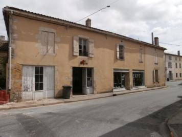 Maison Villandraut &bull; <span class='offer-area-number'>538</span> m² environ &bull; <span class='offer-rooms-number'>10</span> pièces