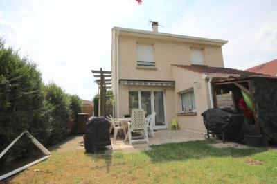 Maison Lisses &bull; <span class='offer-area-number'>104</span> m² environ &bull; <span class='offer-rooms-number'>6</span> pièces