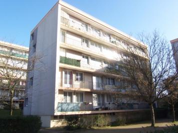 Appartement Le Plessis Robinson &bull; <span class='offer-area-number'>82</span> m² environ &bull; <span class='offer-rooms-number'>5</span> pièces