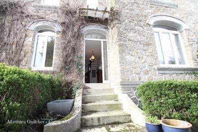 Maison Plounevez Lochrist &bull; <span class='offer-area-number'>236</span> m² environ &bull; <span class='offer-rooms-number'>12</span> pièces